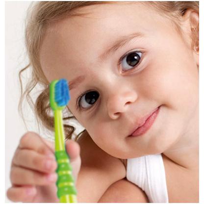CURAPROX  4260 Детска четка за заби (за млечна дентиција), 1